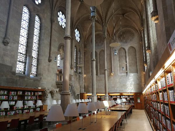 salle de lecture de la Bibliothèque centrale du Cnam